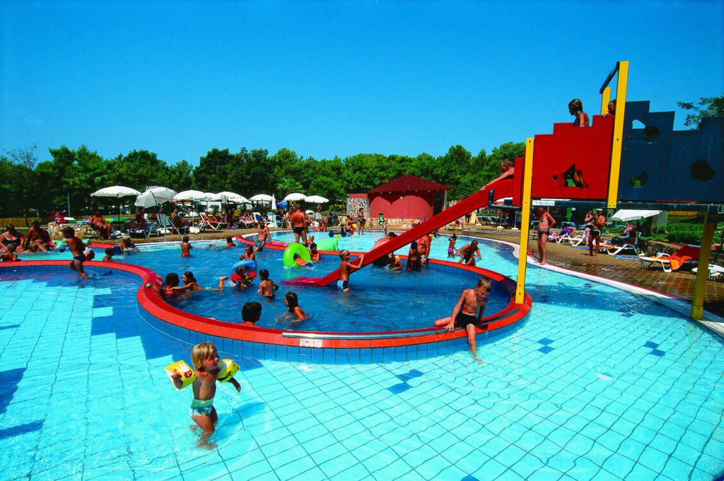 Camp_Lanterna_children_pool