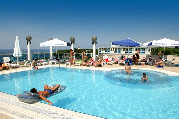 Hotel Laguna pool