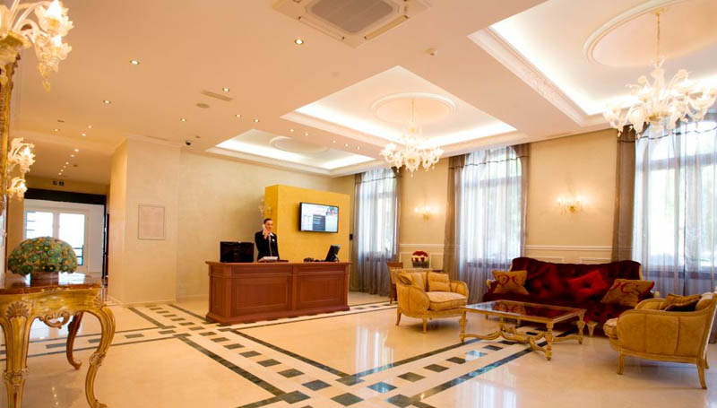 hotel palazzo reception