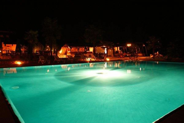 villa_gloria_pool_night